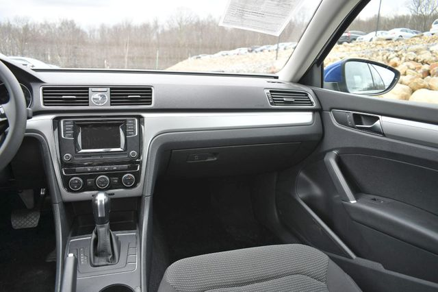 2017 Volkswagen Passat 1.8T S Naugatuck, Connecticut 17