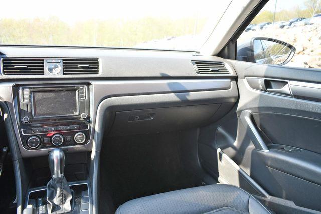 2017 Volkswagen Passat R-Line w/Comfort Pkg Naugatuck, Connecticut 17