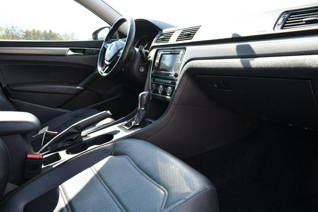 2017 Volkswagen Passat R-Line w/Comfort Pkg Naugatuck, Connecticut 8