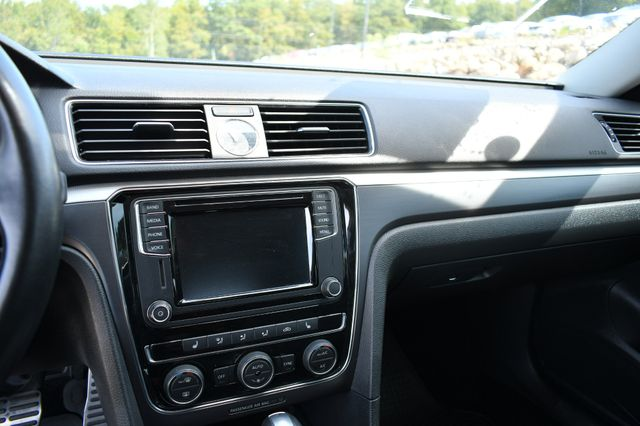 2017 Volkswagen Passat R-Line w/Comfort Pkg Naugatuck, Connecticut 19