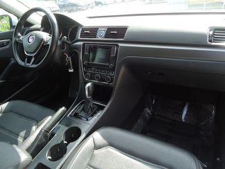 2017 Volkswagen Passat R-Line w/Comfort Pkg SEFFNER, Florida 19