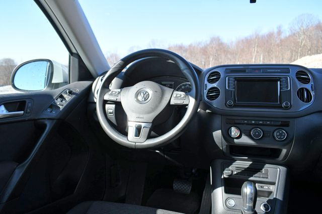 2017 Volkswagen Tiguan Limited 4Motion Naugatuck, Connecticut 18