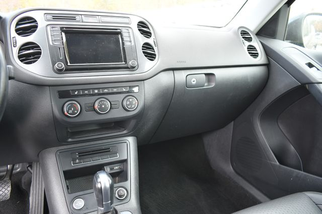 2017 Volkswagen Tiguan S Naugatuck, Connecticut 17