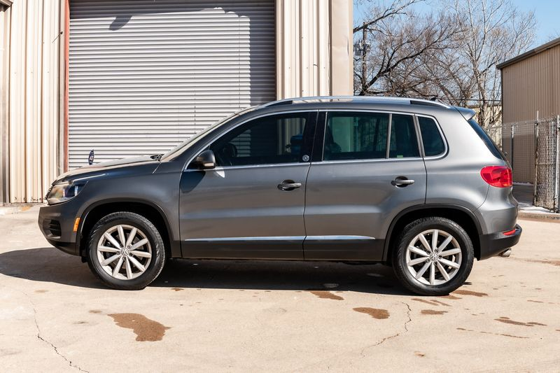 2017 Volkswagen Tiguan WOLFSBURG ED CLEAN CARFAX BACKUP CAM LEATHER NICE! in Rowlett, Texas