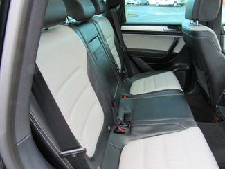 2017 Volkswagen Tourareg Wolfsburg Edition Bend, Oregon 18