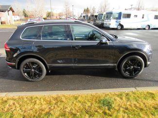 2017 Volkswagen Tourareg Wolfsburg Edition Bend, Oregon 3