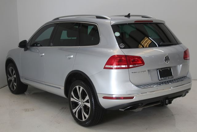 2017 Volkswagen Touareg(Certified till April 2022) Wolfsburg Edition Houston, Texas 7