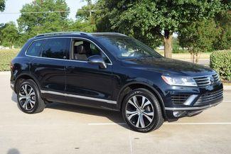 2017 Volkswagen Touareg V6 4Motion in McKinney Texas, 75070