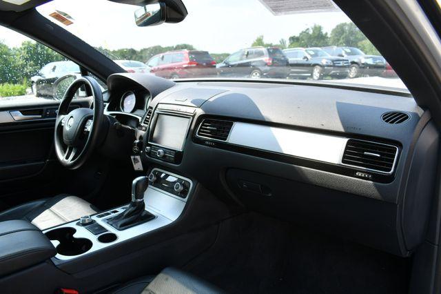 2017 Volkswagen Touareg Wolfsburg Edition Naugatuck, Connecticut 11