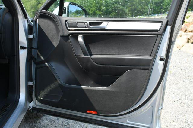 2017 Volkswagen Touareg Wolfsburg Edition Naugatuck, Connecticut 12