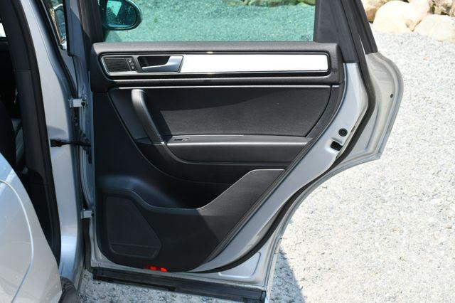 2017 Volkswagen Touareg Wolfsburg Edition Naugatuck, Connecticut 13