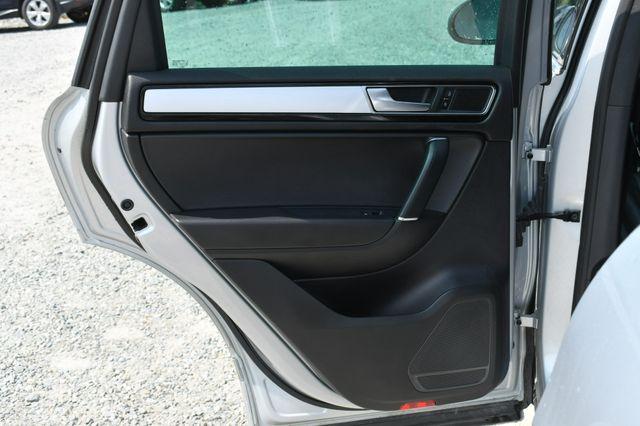 2017 Volkswagen Touareg Wolfsburg Edition Naugatuck, Connecticut 15