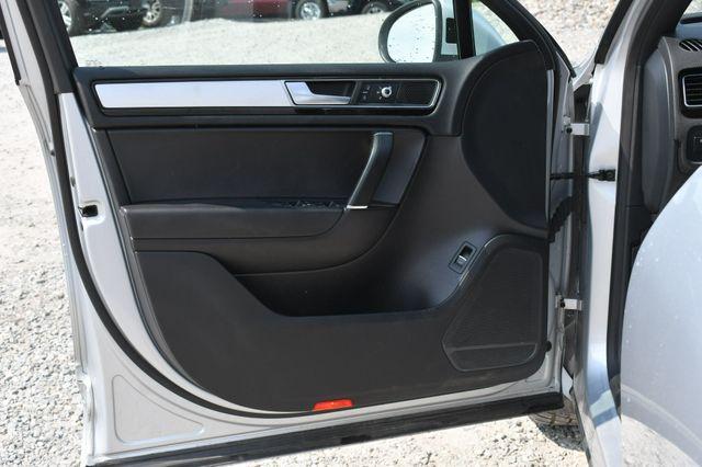 2017 Volkswagen Touareg Wolfsburg Edition Naugatuck, Connecticut 19
