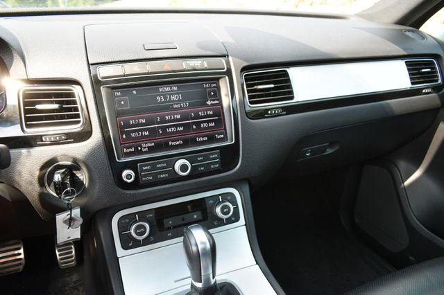 2017 Volkswagen Touareg Wolfsburg Edition Naugatuck, Connecticut 21