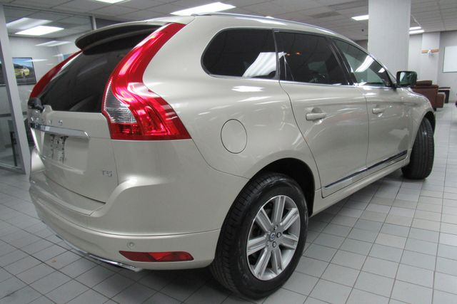 2017 Volvo XC60 Inscription W/ NAVIGATION SYSTEM/ BACK UP CAM Chicago, Illinois 4