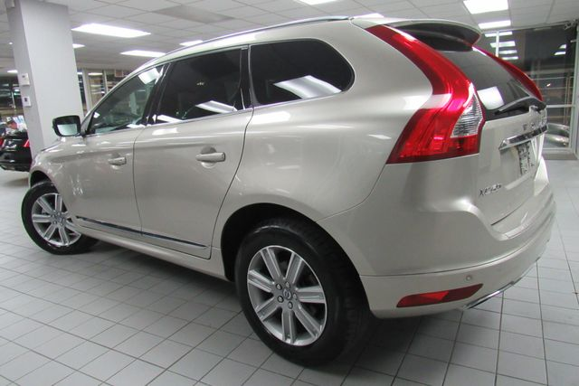 2017 Volvo XC60 Inscription W/ NAVIGATION SYSTEM/ BACK UP CAM Chicago, Illinois 3