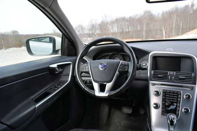 2017 Volvo XC60 Naugatuck, Connecticut 13