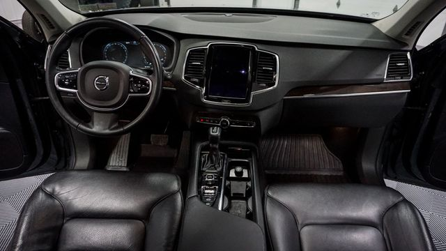 2017 Volvo XC90 Momentum in North East, PA 16428