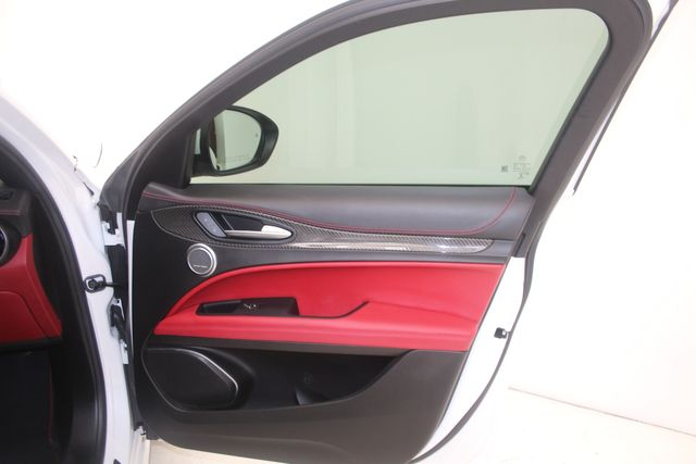 2018 Alfa Romeo Stelvio Quadrifoglio Houston, Texas 33