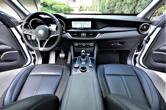 2018 Alfa Romeo Stelvio in Reseda, CA, CA 91335