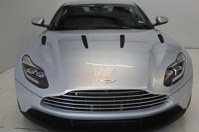 2018 Aston Martin DB11 V12 Houston, Texas 4
