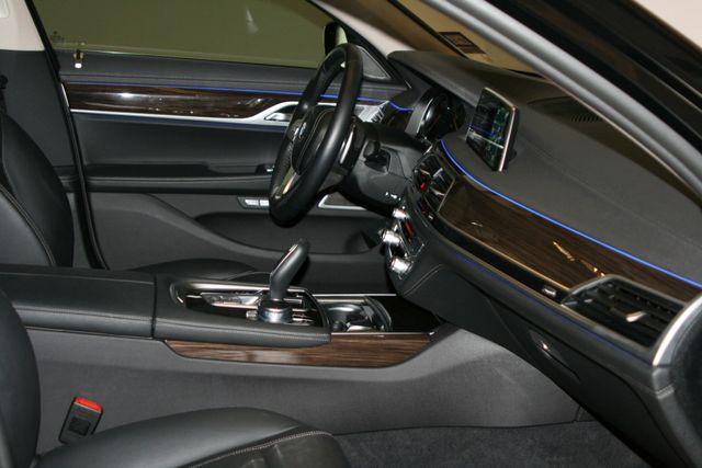 2018 BMW 740i Houston, Texas 31