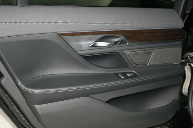 2018 BMW 740i Houston, Texas 40