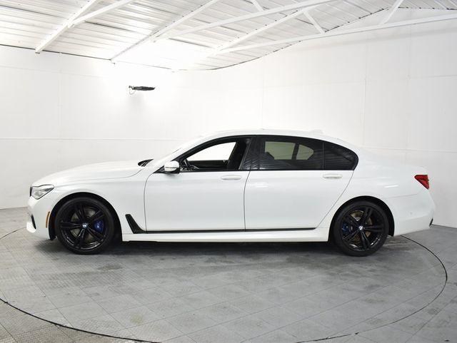 2018 BMW 750i 750i