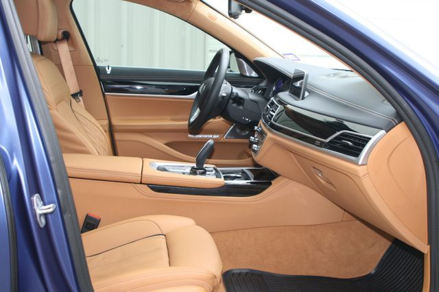 2018 BMW ALPINA B7 xDrive Houston, Texas 44