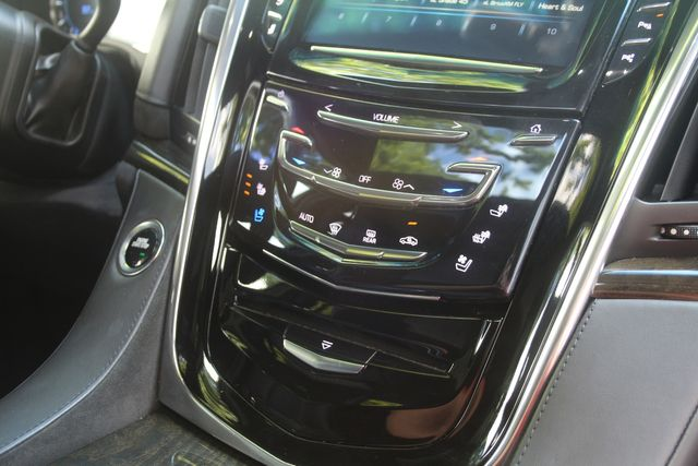 2018 Cadillac Escalade ESV Platinum Houston, Texas 17