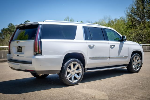 2018 Cadillac Escalade ESV Luxury 1 0WNER CLEAN CARFAX in Memphis, Tennessee 38115
