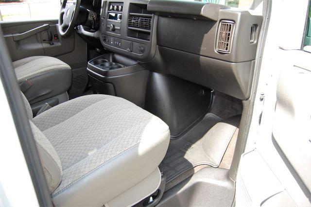 2018 Chevrolet 15 Pass. LT Charlotte, North Carolina 6