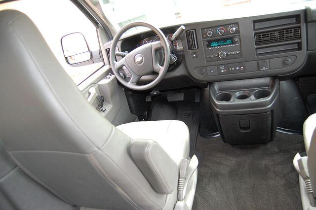 2018 Chevrolet 15 Pass. LT Charlotte, North Carolina 13