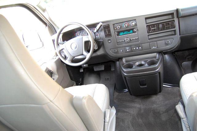 2018 Chevrolet 15 Pass. LT Charlotte, North Carolina 14