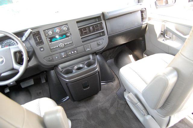 2018 Chevrolet 15 Pass. LT Charlotte, North Carolina 15