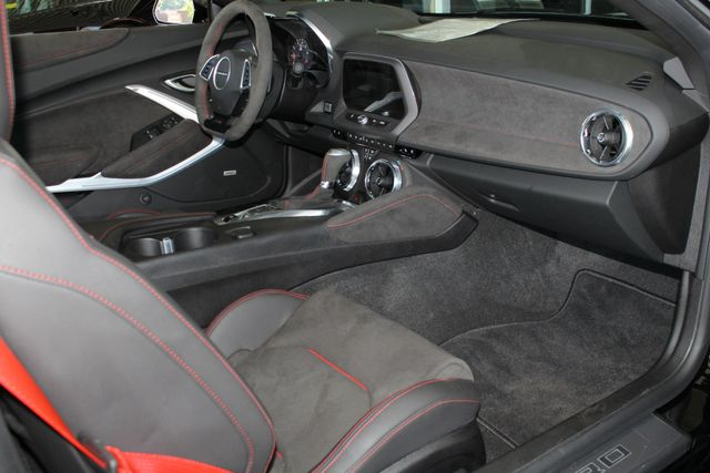 2018 Chevrolet Camaro ZL1 - NAV - SUNROOF - PERFORMANCE RECORDER! Mooresville , NC 35