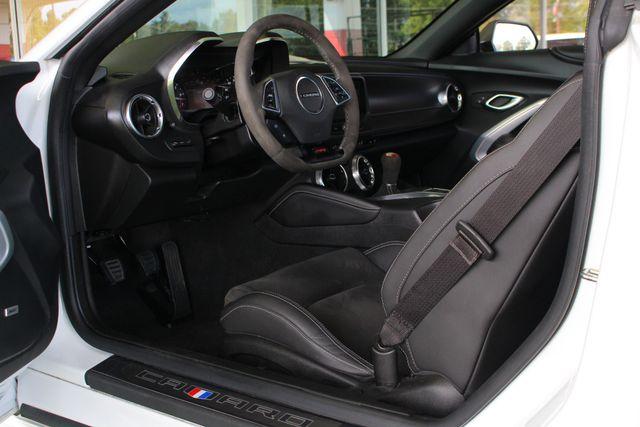 2018 Chevrolet Camaro 2SS/SS 1LE TRACK PERFORMANCE PKG - NAV - MAG RIDE! Mooresville , NC 30