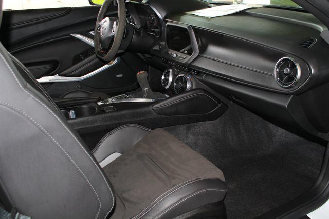 2018 Chevrolet Camaro 2SS/SS 1LE TRACK PERFORMANCE PKG - NAV - MAG RIDE! Mooresville , NC 31