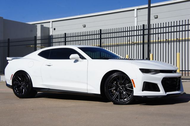 2018 Chevrolet Camaro ZL1 * Carbon Fiber * SUNROOF * Navi * 6-SPEED *
