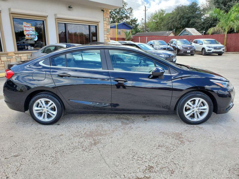 2018 Chevrolet Cruze LT  Brownsville TX  English Motors  in Brownsville, TX
