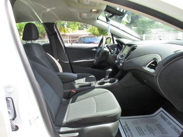 2018 Chevrolet Cruze LT Miami, Florida 11