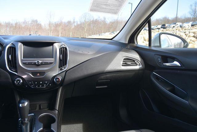 2018 Chevrolet Cruze LT Naugatuck, Connecticut 17