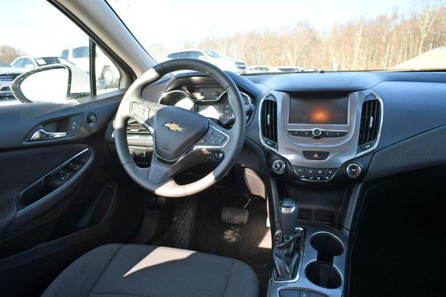 2018 Chevrolet Cruze LT Naugatuck, Connecticut 15