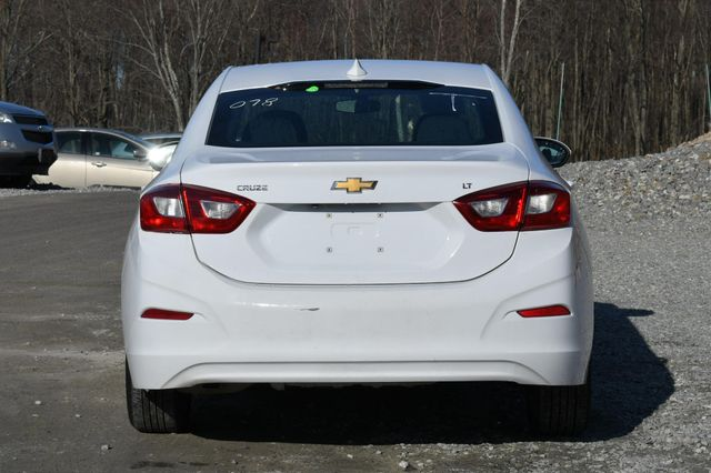2018 Chevrolet Cruze LT Naugatuck, Connecticut 3