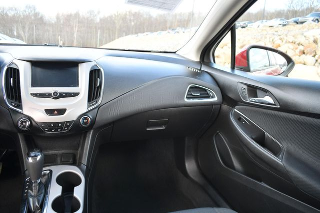 2018 Chevrolet Cruze LS Naugatuck, Connecticut 17