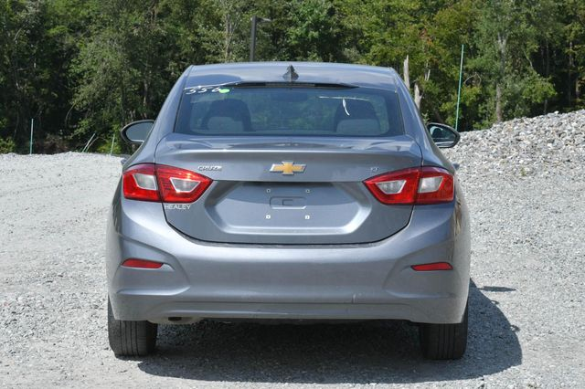 2018 Chevrolet Cruze LT Naugatuck, Connecticut 3