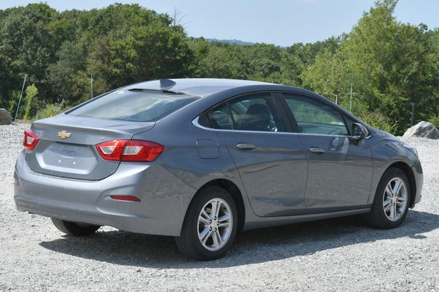 2018 Chevrolet Cruze LT Naugatuck, Connecticut 4
