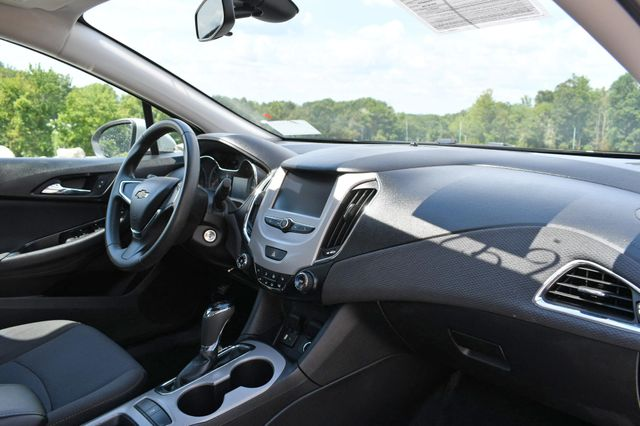 2018 Chevrolet Cruze LS Naugatuck, Connecticut 8