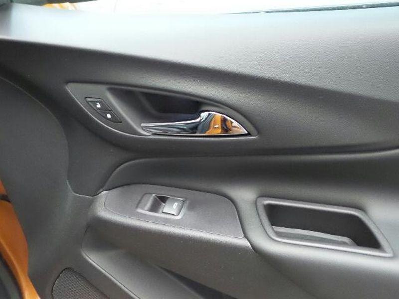 2018 Chevrolet Equinox LT  in Victoria, MN