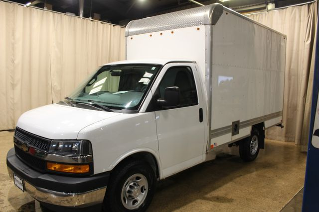 2018 Chevrolet Express Commercial Cutaway box truck in Roscoe, IL 61073